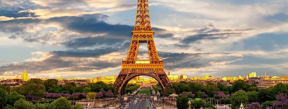 A torre eiffel fica mais alta no verão