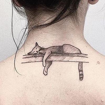 tatuagem gato dormindo