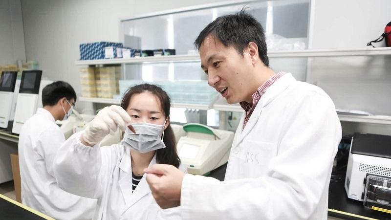 Em 2018, o cientista chinês He Jiankui afirmou que ele teria ajudado a vir ao mundo os primeiros bebês geneticamente modificados.