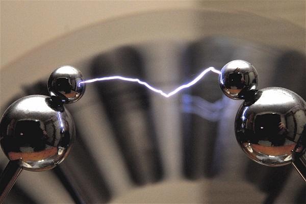 Por que há pessoas mais sensíveis a eletricidade estática?